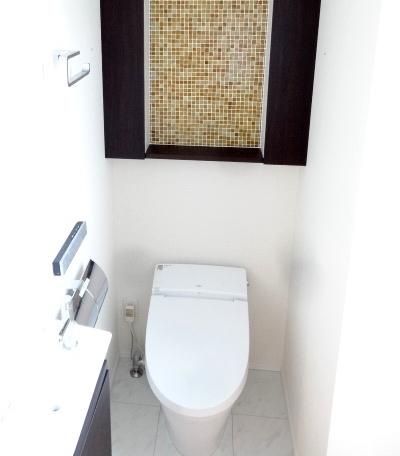 トイレのモザイクタイルが印象的です。