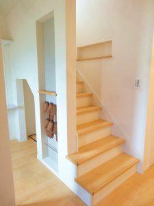 玄関のニッチスペースも有効活用できます。