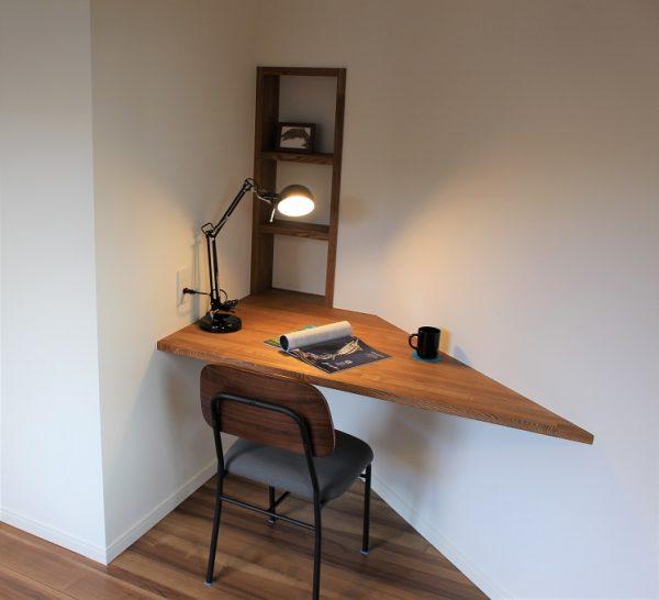 旦那様お気に入りの書斎スペース