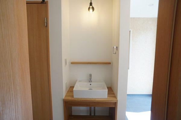 玄関にこんな手洗いがあると便利です